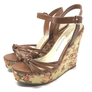 Chinese Laundry Floral Tie Wedge Heels Size 7